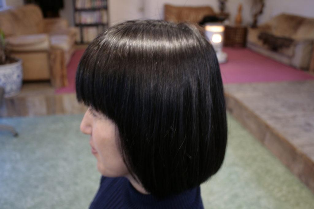 ヘナの色が明る過ぎると感じる方はヘナで白髪染めした後にインディゴ(木藍)をすると落ち着いたブラウンになります。ヘナのカラーサンプル2